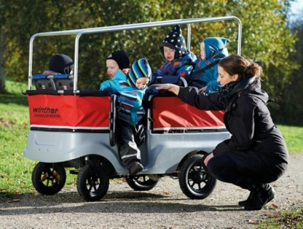 Winther Kinderbus E-Turtle mit Motor für 6 Kinder